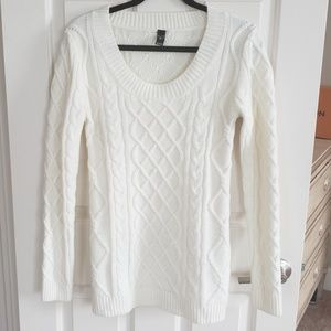 White cable knit tunic